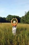 samotna tylna blondynki pola dziewczyna Zdjęcie Stock