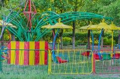Samotne huśtawki w dziecka ` s parku Obraz Royalty Free