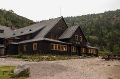 Samotnia,在Karkonosze大山的山小屋,波兰 免版税库存照片