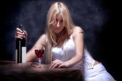 samotnie pijący Zdjęcie Royalty Free