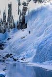 Samotny lodowy arywista waży stronę zamarznięta góra obrazy royalty free