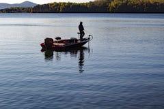 Samotny rybak w ranku Fotografia Royalty Free