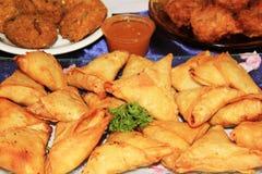 Samoussa-alimenti Fotografie Stock Libere da Diritti
