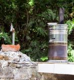 Samovar ed il rubinetto di acqua fotografia stock libera da diritti