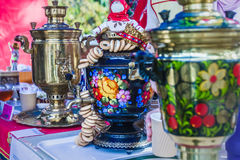 Samovar tradicional ruso adornado Imagen de archivo libre de regalías