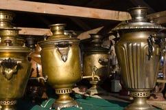 Samovares de cobre en la demostración Fotografía de archivo libre de regalías