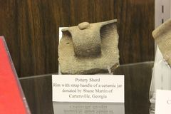 Sample of pottery used by Etowah mound people. Etowah Indian Mounds are prehistoric archaeological site located on the bank of Etowah river in the Bartow stock photography