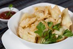 Samsa Мясное блюдо людей централи и Средней Азии, теста, мяса и луков, соответствующих на праздники Nauryz или Navruz, a стоковые изображения rf