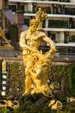 Samson dans Peterhof images libres de droits