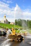 Samson Fountain in Peterhof-Paleis royalty-vrije stock foto's