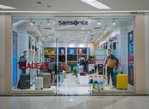 Samsonite shoppar på modeön, Bangkok, Thailand, Mars 22, 201 Fotografering för Bildbyråer