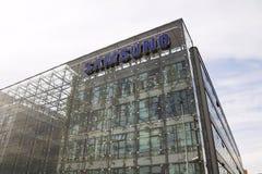 Samsung företagslogo på högkvarterbyggande Arkivfoto