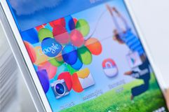 Samsung Galaxy S4 is isolated Royalty Free Stock Photos