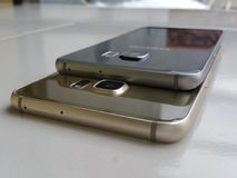 Samsung galaxy s6 edge full desain edge. Samsung galaxy s6. Ram 4gb internal troge 32gbnNice desain n see interestnFingerscan n4g lte selluler Royalty Free Stock Image