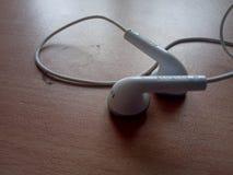 Samsung hörlurar med mikrofon, headphone, arkivbild