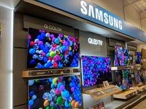 Samsung logo i TV pokaz Best Buy inside sklep Zdjęcie Royalty Free