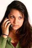 samtal för cellflickatelefon arkivfoto
