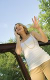 samtal för mobil telefon för flicka tonårs- nätt Arkivbilder