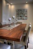 samtida äta middag tabell Fotografering för Bildbyråer