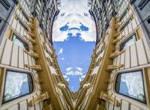 Samtida abstrakt arkitektur, neoclassical byggnad med arkivbilder