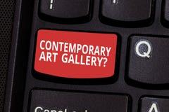 Samtida Art Galleryquestion för textteckenvisning Tangent för tangentbord för galleri för begreppsmässig forprofit för foto priva arkivfoto