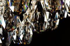 Samtida glass ljuskronakristallcloseup royaltyfria foton