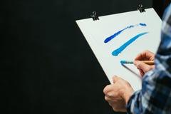 Samtida konst skissar linjer för brädeakrylmålarfärg fotografering för bildbyråer