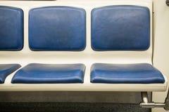 Samtidainsidautrymme av vagnen för underjordisk järnväg med tomma platser Royaltyfri Fotografi