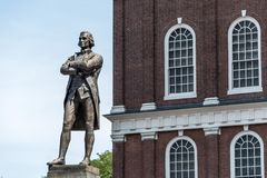 Samuel Adams pomnikowa statua blisko Faneuil Hall w Boston Massachusetts usa zdjęcia royalty free