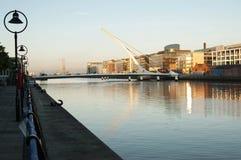 Samuel Beckett Bridge Dublin - Irland Arkivbilder