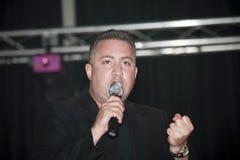 Samuel Hernandez, der während eines christlichen Konzerts im Br durchführt Lizenzfreies Stockbild