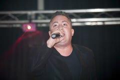 Samuel Hernandez que se realiza durante un concierto cristiano en el Br Foto de archivo libre de regalías
