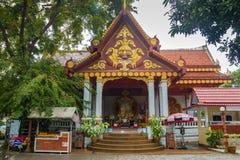 SAMUI, THAÏLANDE - 06 11 2017 : Moine momifié Loung Pordaeng dans le temple de Wat Khunaram en Koh Samui en Thaïlande Photo libre de droits