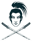 Samuraja wojownik i krzyżujący katana kordziki Zdjęcie Royalty Free