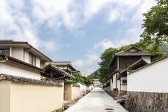 Samurajuppehåll i den gamla slottstaden av Takahashi i västra Japan Royaltyfri Foto