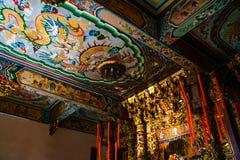Samut Prakan, Thailand - Februari, 3, 2019: Het mooie plafond van de tradintional Chinese kunst bij Heiligdom Xian Dai Lo Tian Go stock afbeelding