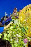 SAMUT PRAKAN THAILAND-OCTOBER 18, 2013: Lotus Giving Festival arkivbild