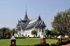 Samut Prakan, Thailand: Thon Buri Audience Hall. The glorious Audience Hall of Thon Buri at the Ancient Siam Thai Heritage Park in Samut Prakan, Thailand - Lee Stock Photos