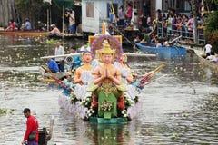 SAMUT PRAKARN, TAILANDIA 7 DE OCTUBRE DE 2014: Lotus Giving Festival Foto de archivo