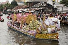 SAMUT PRAKARN, THAILAND-OC TOBER 7, 2014 : Lotus Giving Festiva Image stock