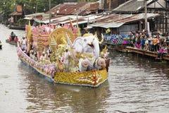 SAMUT PRAKARN, THAILAND-OCTOBER 7, 2014: Lotosowy Daje festiwal Obrazy Royalty Free