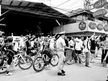 SAMUT SONGKHRAM, ТАИЛАНД 10-ОЕ ИЮНЯ 2018: Железнодорожный вокзал Maeklong на 10,2018 -го июня в SAMUT SONGKRAM, ТАИЛАНДЕ Стоковая Фотография