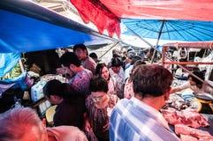 Samut Songkhram, Thailand: De Markt van de spoorweg Stock Foto's