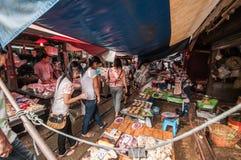 Samut Songkhram, Thailand: De Markt van de spoorweg Royalty-vrije Stock Afbeeldingen