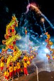 SAMUTSAKHON, THAILAND: 31 MEI: De gouden draak toont in samutsak Royalty-vrije Stock Foto's