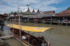 SAMUTSONGKHRAM,泰国- 6月6 :Ampawa浮动市场是a 免版税库存图片