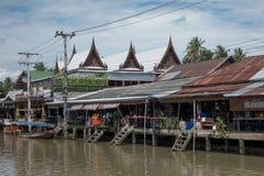 SAMUTSONGKHRAM, ТАИЛАНД - 6-ОЕ ИЮНЯ: Рынок Ampawa плавая a Стоковая Фотография RF