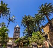 San- Agustinkloster, historisches Museum innerhalb einer Kirche und ehemaliges Kloster unter ruhigen Garteneinfassungen San Crist lizenzfreies stockfoto