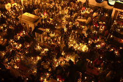 SAN ANDRÃ ‰ S MIXQUIC,墨西哥- 2012年11月:叫作` La Alumbrada `日间的每年记念死者 免版税库存图片