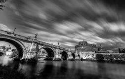San Angelo, Lazio, Itália - fotografia monocromática foto de stock